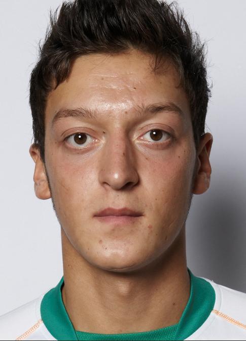 Die Doppelgänger von <b>Mesut Özil</b> - bn7wgv